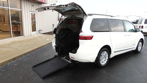 Used Wheelchair Van For Sale: 2017 Toyota Sienna XLE Wheelchair Accessible Van For Sale with a BraunAbility Toyota Power Rear Entry on it. VIN: 5TDYZ3DC8HS895597