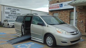 Used Wheelchair Van For Sale: 2008 Toyota Sienna L Wheelchair Accessible Van For Sale with a  on it. VIN: 5TDZK23C18S168581