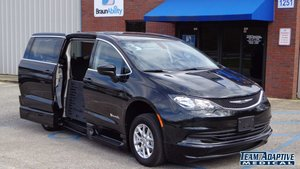 Used Wheelchair Van For Sale: 2017 Chrysler Pacifica Touring Wheelchair Accessible Van For Sale with a BraunAbility BraunAbility Pacifica Foldout XT on it. VIN: 2C4RC1DG8HR720384