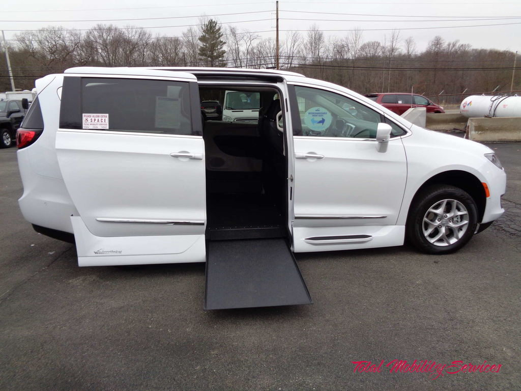 Wheelchair van for sale: 2019 Chrysler Pacifica VMI Chrysler Northstar - KR509475