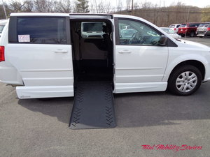 Used Wheelchair Van For Sale: 2015 Dodge Grand Caravan SE Wheelchair Accessible Van For Sale with a VMI Dodge Summit on it. VIN: 2C4RDGBG0FR568777