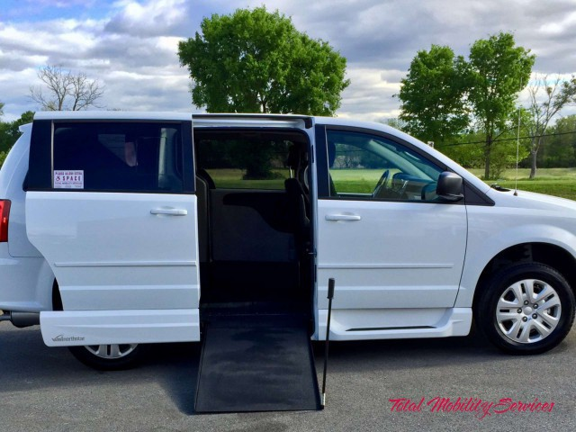 Wheelchair van for sale: 2017 Dodge Grand Caravan VMI Dodge Northstar E - HR554690