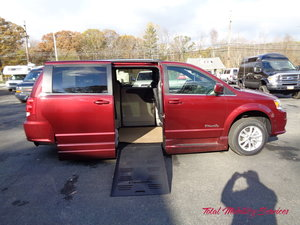 New Wheelchair Van For Sale: 2019 Dodge Grand Caravan SXT Wheelchair Accessible Van For Sale with a BraunAbility Dodge Entervan XT on it. VIN: 2C4RDGCG2KR527933
