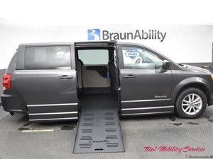 Used Wheelchair Van For Sale: 2019 Dodge Grand Caravan S Wheelchair Accessible Van For Sale with a BraunAbility Dodge Entervan II on it. VIN: 2C4RDGCG3KR520506
