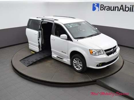 Used Wheelchair Van For Sale: 2019 Dodge Grand Caravan SXT Wheelchair Accessible Van For Sale with a BraunAbility Dodge Entervan XT on it. VIN: 2C4RDGCG4KR661617