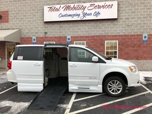 Used Wheelchair Van For Sale: 2014 Dodge Grand Caravan SXT Wheelchair Accessible Van For Sale with a BraunAbility Dodge Entervan XT on it. VIN: 2C4RDGCG5ER162152
