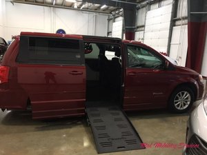Used Wheelchair Van For Sale: 2014 Dodge Grand Caravan S Wheelchair Accessible Van For Sale with a BraunAbility Dodge Entervan II on it. VIN: 2C4RDGCG9ER122298