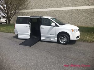 New Wheelchair Van For Sale: 2019 Dodge Grand Caravan SXT Wheelchair Accessible Van For Sale with a BraunAbility Dodge Entervan Xi Infloor on it. VIN: 2C7WDGCG3KR584261