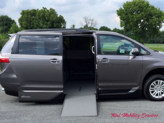 Wheelchair van for sale: 2017 Toyota Sienna VMI Toyota Summit Access360 - HS837150