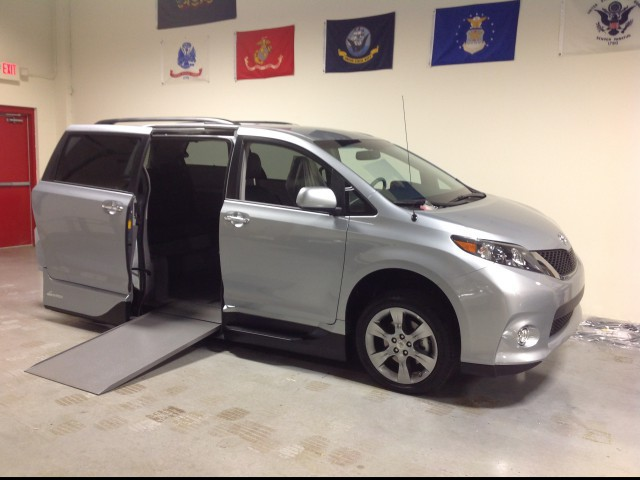 Wheelchair van for sale: 2015 Toyota Sienna  VMI VMI Northstar E Toyota  - FS588884