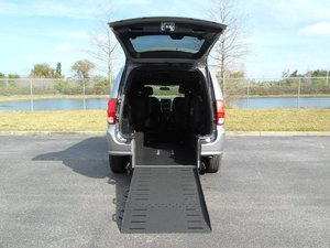 Used Wheelchair Van For Sale: 2015 Dodge Grand Caravan ES Wheelchair Accessible Van For Sale with a Handicap Accessible Van on it. VIN: 2C4RDGBG1FR672145