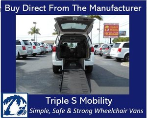 Used Wheelchair Van For Sale: 2011 Volkswagen Ram L Wheelchair Accessible Van For Sale with a Handicap Accessible Van on it. VIN: 2V4RW3DG9BR625879