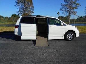 Used Wheelchair Van For Sale: 2007 Honda Odyssey EX-L Wheelchair Accessible Van For Sale with a Handicap Accessible Van on it. VIN: 5FNRL387X7B443656