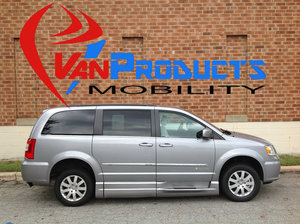 Used Wheelchair Van For Sale: 2015 Chrysler Town & Country Touring Wheelchair Accessible Van For Sale with a  on it. VIN: 2C4RC1BG4FR571617