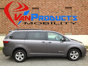 Used Wheelchair Van For Sale: 2015 Toyota Sienna LE Wheelchair Accessible Van For Sale with a  on it. VIN: 5TDKK3DC2FS626633