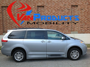 Used Wheelchair Van For Sale: 2013 Toyota Sienna XLE Wheelchair Accessible Van For Sale with a  on it. VIN: 5TDYK3DC6DS367829