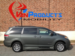 Used Wheelchair Van For Sale: 2013 Toyota Sienna XLE Wheelchair Accessible Van For Sale with a  on it. VIN: 5TDYK3DEXDS342545