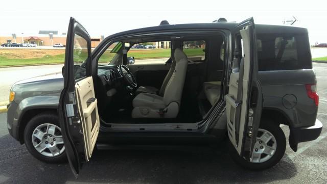 2011 honda element wheelchair van for sale freedom motors freedom motors honda element. Black Bedroom Furniture Sets. Home Design Ideas