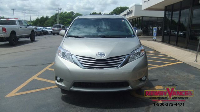 wheelchair van for sale 2016 toyota sienna stock autos post. Black Bedroom Furniture Sets. Home Design Ideas